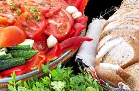 איך שומרים על תזונה בריאה בארוחות החג?